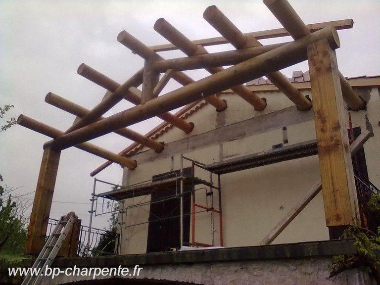charpente bois tour ronde obtenez des id es de design int ressantes en utilisant. Black Bedroom Furniture Sets. Home Design Ideas